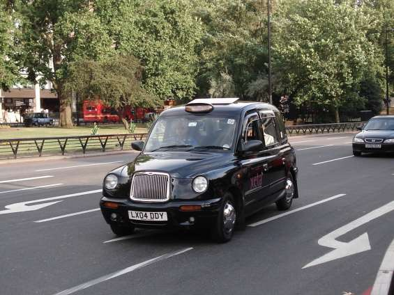 Get the best and affordable taxi service to gatwick airport