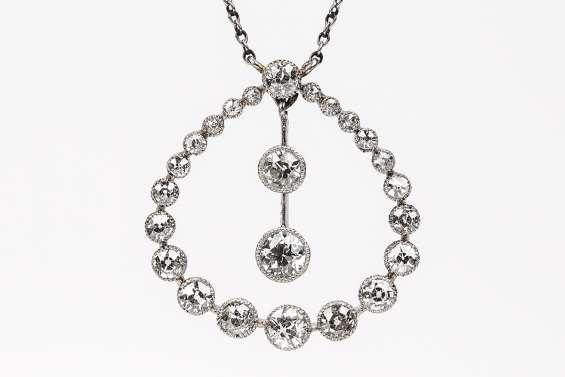 Diamond necklaces in london