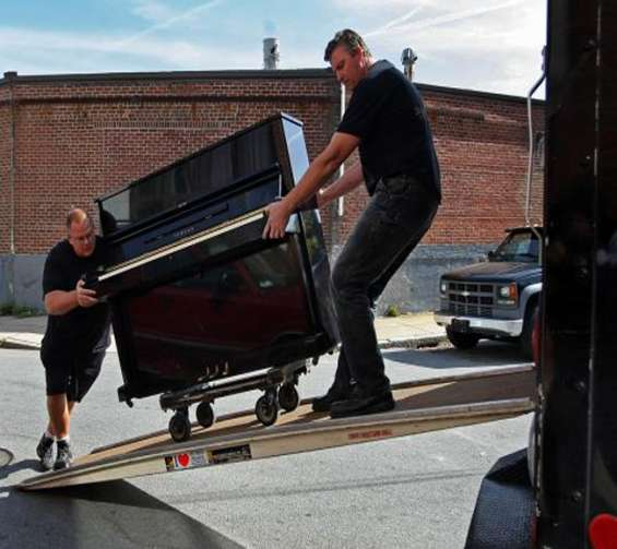 Professional piano movers| contact us