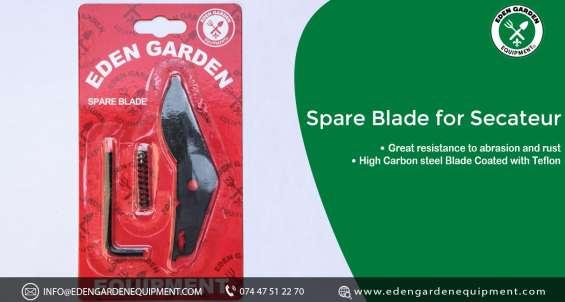 Replacement blade secateur in the eden garden