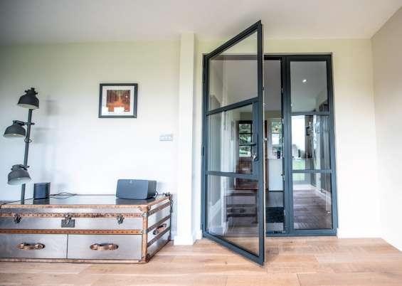Aluminium bi-folding installation, sliding doors installation