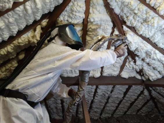 Why choose icynene spray foam loft insulation?