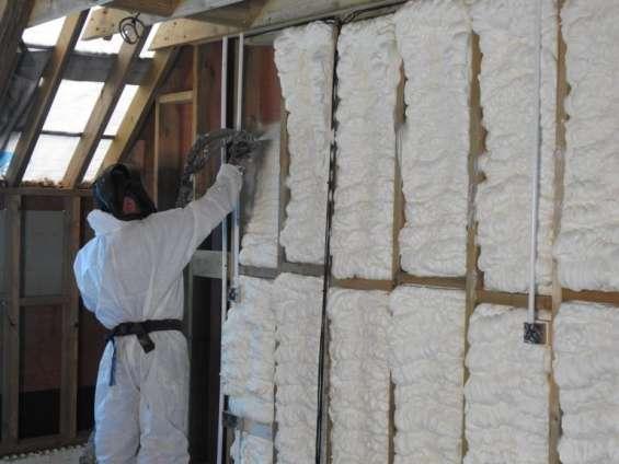Install spray insulation foam london