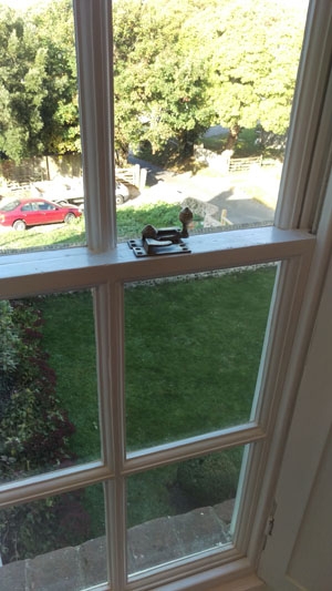Specialist sash window restoration service for grade 1 and 2 listed properties in brighton