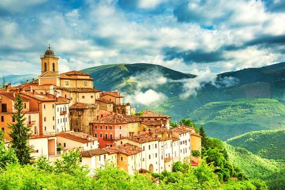 Pictures of 4-star italy escape w/flights, meals & car hire 3