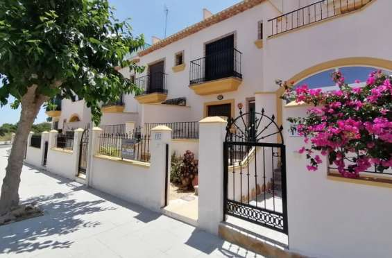 Your alicante townhouse only for 82,000 eur!
