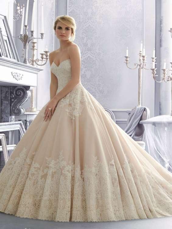 Get your wedding dress woes sorted - visit bridal shop in surrey
